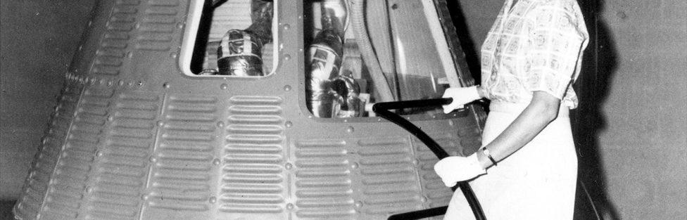 "PowderPuff Astronauts (Documentary Review: ""Mercury 13"")"