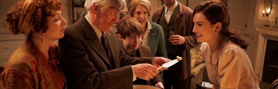 """Post-War Pen Pals (Film Review: """"The Guernsey Literary & Potato Peel Pie Society"""")"""